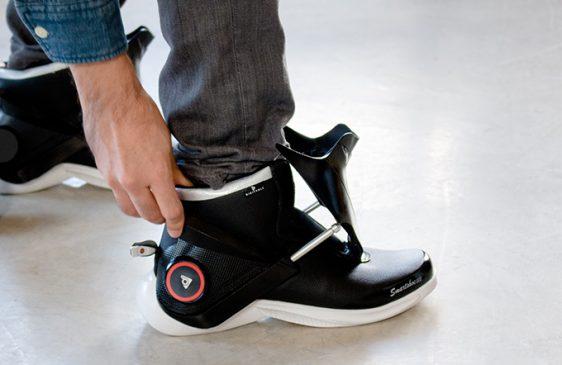 bd6f5455 W tym roku firma Digitsole wyprodukowała obuwie naszpikowane nowoczesną  technologią. Zaprezentowany produkt nosi nazwę Smartshoe i kilka miesięcy  temu ...