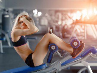 jak trenować brzuch