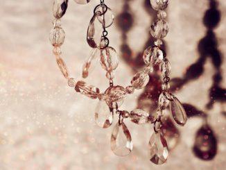 jak pielęgnować biżuterię