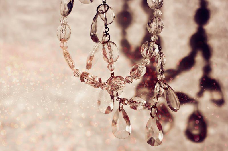 pielęgnacja biżuteri sztucznej