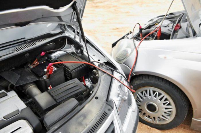 Jakie są objawy uszkodzonego alternatora?