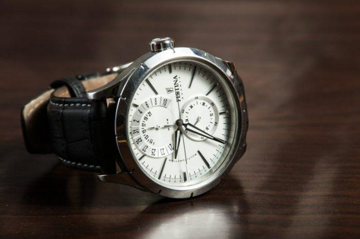 Elegancki zegarek – czy może dodać powagi?