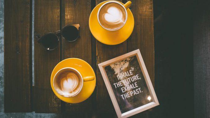 jak zaparzyć kawę w kawiarce