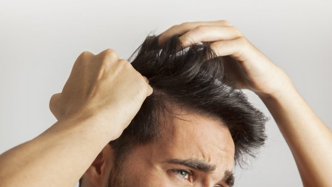 jak zapobiegać łysieniu