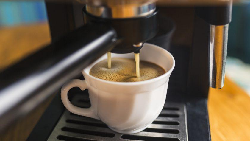 Na co zwrócić uwagę kupując kolbowy ekspres do kawy?