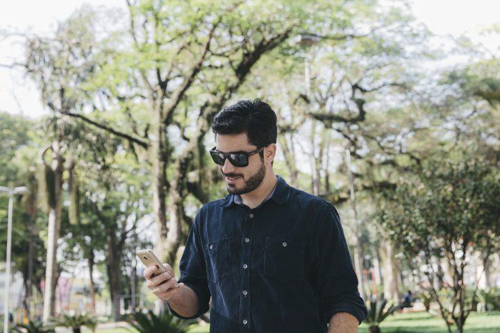 Czy warto kupić etui i szkło hartowane na telefon?