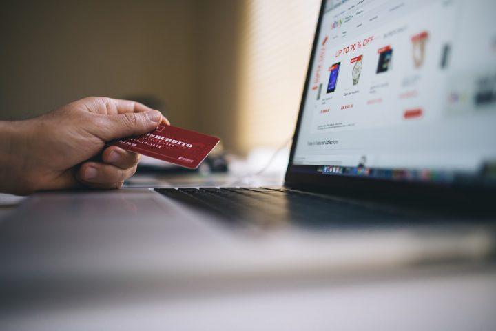 Jak tanio i bezpiecznie robić zakupy w zagranicznych e-sklepach?