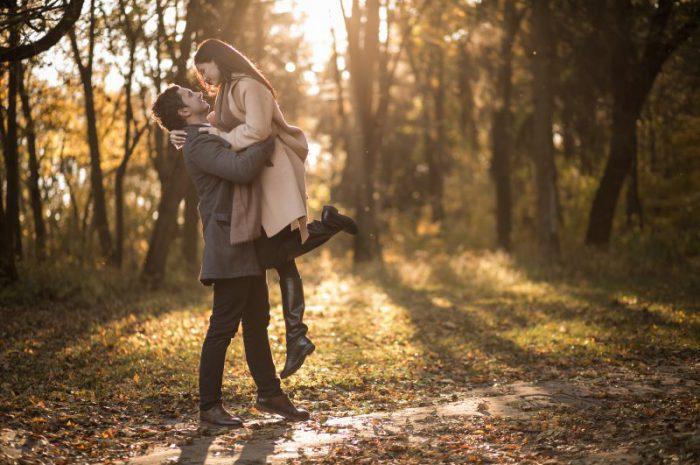 Pierwsza randka – jak się zachowywać, jak się ubrać i co mówić?