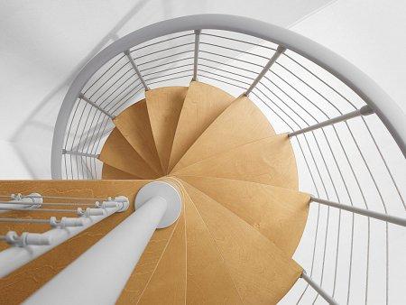 kręcone schody do domu