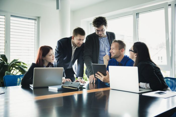 Jak zmniejszyć koszty biurowe w firmie?