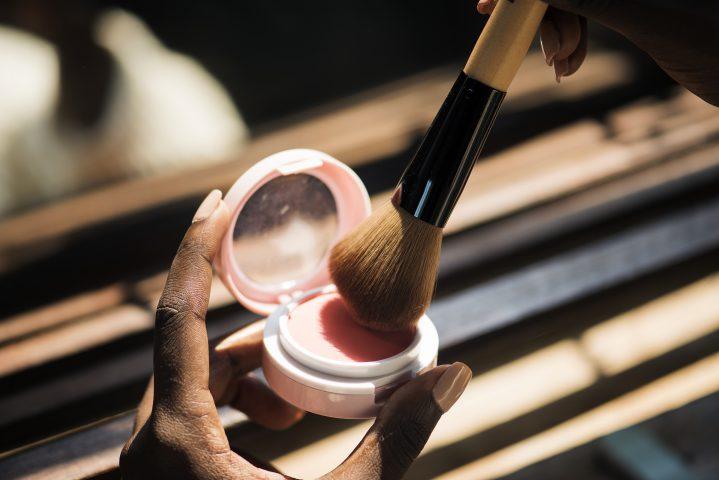 Jak zrobić dobry makijaż?
