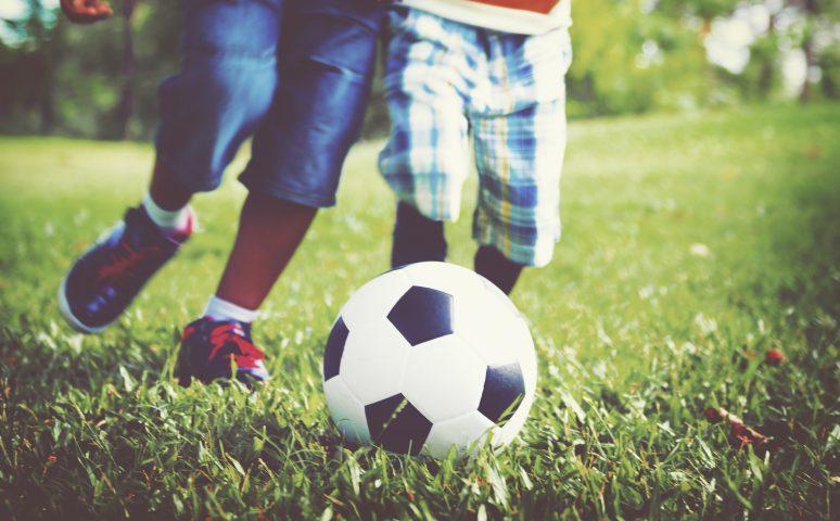 Co na prezent dla dziecka kochającego grę w piłkę nożną?