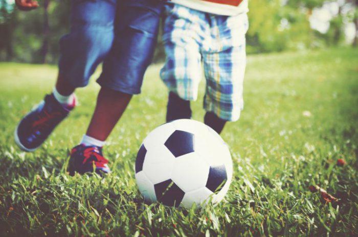 Co na prezent dla małego dziecka piłkarza?