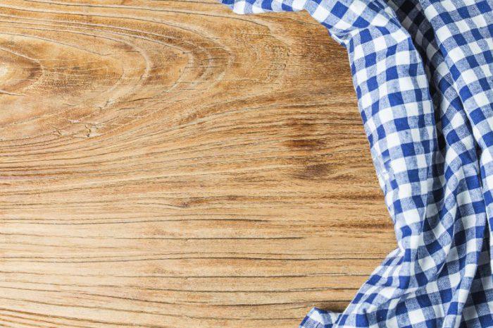 Obrusy lniane – czy warto je wykorzystać w domu?