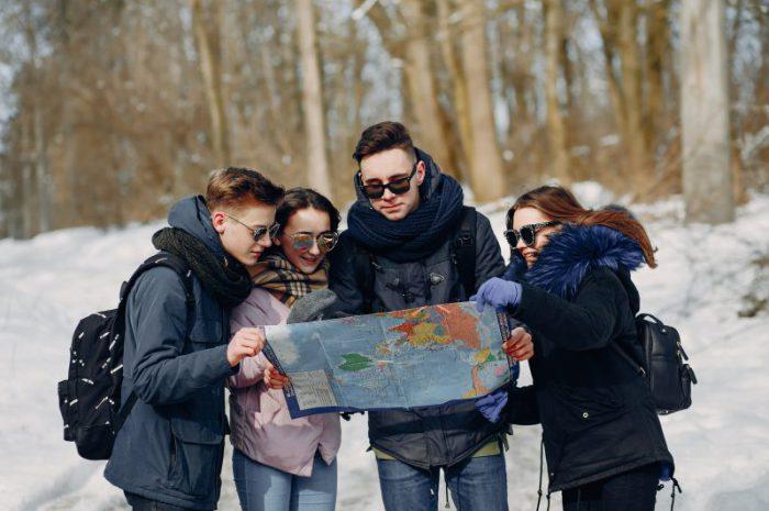 Zimowa piesza wycieczka – jak się do niej przygotować?