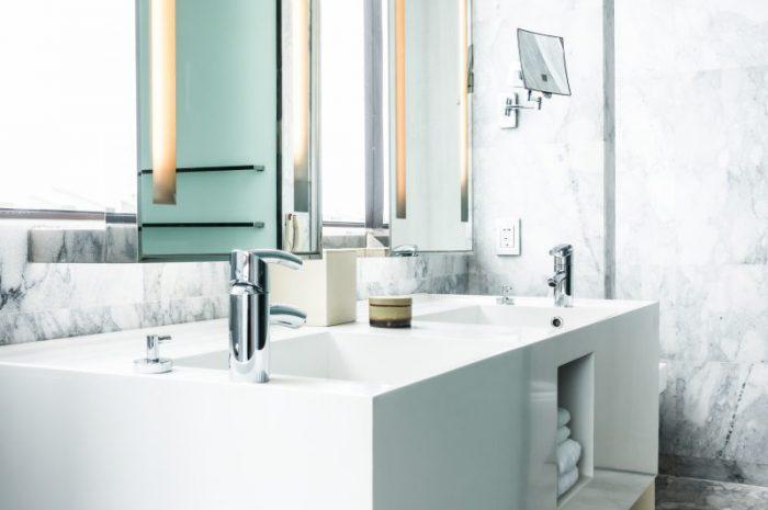 Jak wybrać ciekawe dodatki do łazienki?