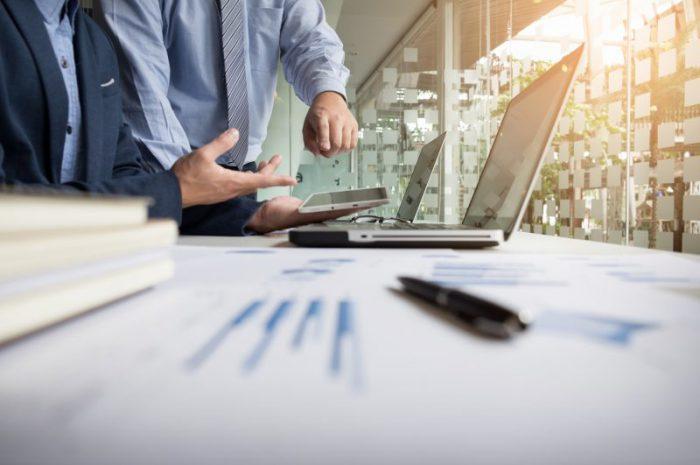 Jak zarządzać finansami w małej firmie?