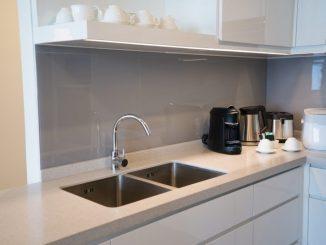 pleksi w kuchni