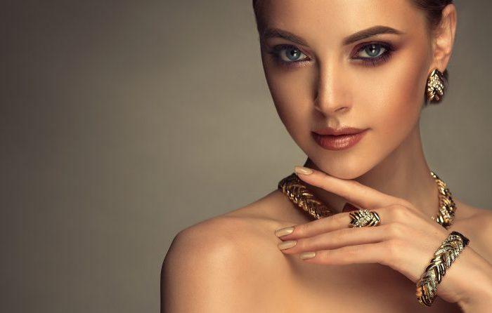 Damska biżuteria – klasyk nad klasykami
