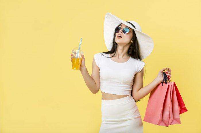 Letnie sukienki na sezon 2019 – poznaj trendy!