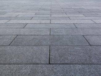 szare-płyty-chodnikowe