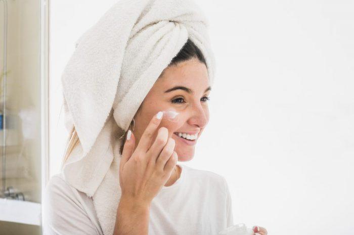Czy żel do twarzy to kosmetyk niezbędny dla każdej kobiety?
