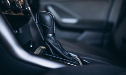 automatyczna skrzynia biegow w samochodzie