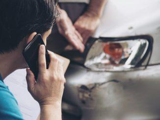 uszkodzenia lakieru na samochodzie