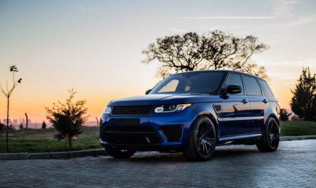 front samochodu range rover