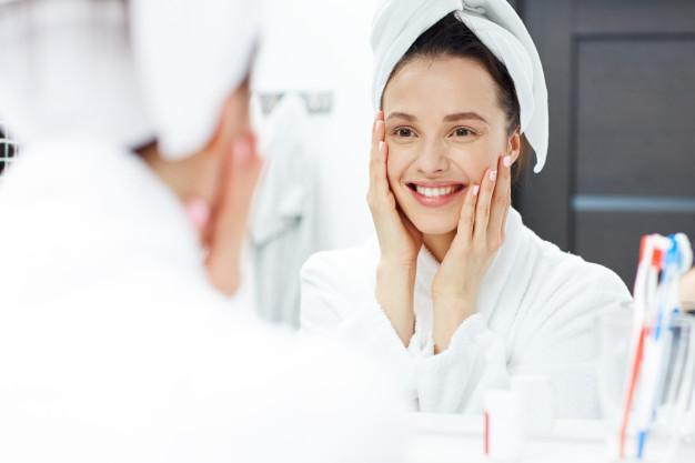 Depilacja kobiecego wąsika – jak go usunąć?