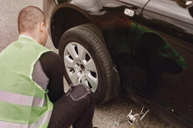 Jak powinna wyglądać profesjonalna pomoc drogowa?